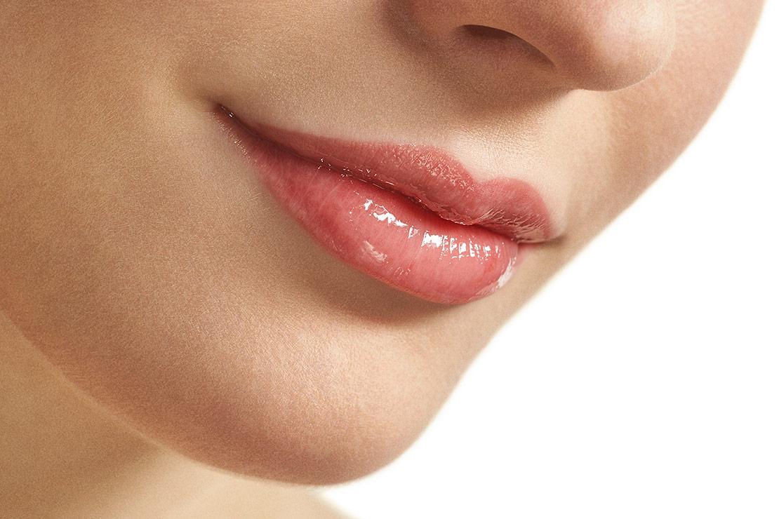 обошли стороной губы с эффектом улыбки фото актриса показала